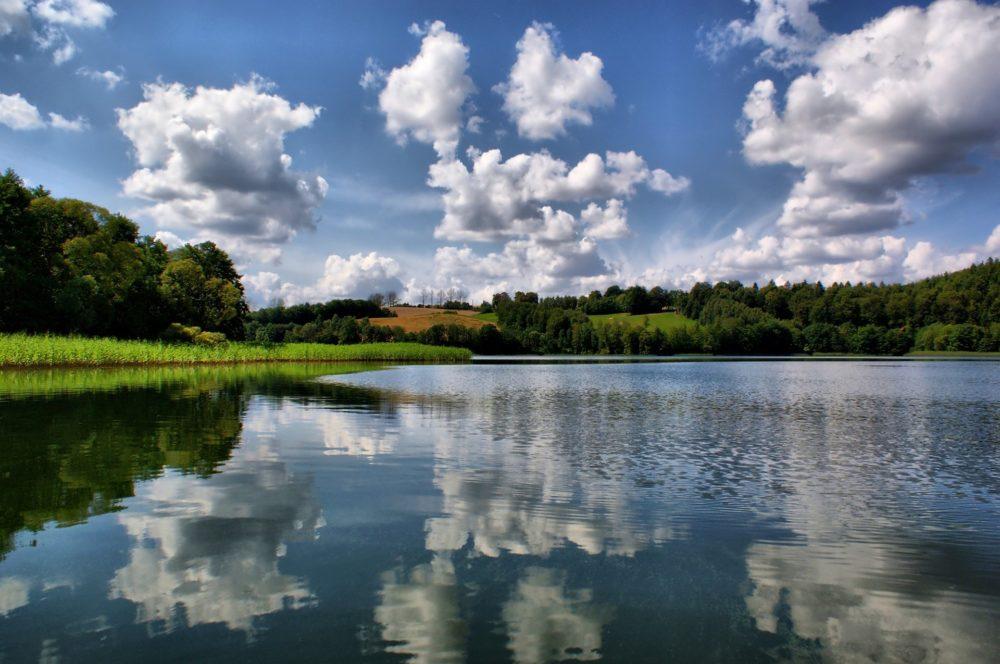 lake-2134181_1920